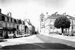6117 - 58 - NIEVRE - COSNE SUR LOIRE - La Mairie - Eglise Saint Jacques - Cosne Cours Sur Loire