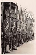 Echt Foto AK 2. WK WW2 Ca. 1935-1945 Soldaten Uniform Fahnen Paul Hommel Stuttgart Nicht Gelaufen - Guerra 1939-45