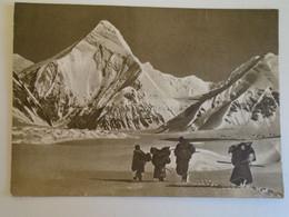 D173543  China—Kyrgyzstan—Kazakhstan  Border -Tian Shan Mountains   Khan Tengri  - Alpinism    Ca 1956 - Kasachstan