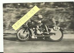 Photo Moto   NELLO PAGANI  SUR MOTO GILERA ? AVEC AUTOGRAPHE Archive Narbonne Moto Club 1946  1950 11. X 17 Cm - Motorfietsen