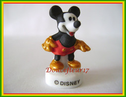 Mickey Fait Son Show ... N°6 ...Ref AFF : 29-2010 ... (Pan 0019) - Disney