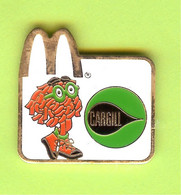 Pin's Mac Do McDonald's Cargill Fry Girl - 8C27 - McDonald's