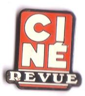 U158 Pin's Média Presse Journal Cinéma Théâtre Ciné Revue V1 Achat Immédiat - Mass Media