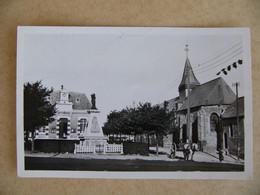 WISSANT L'église Monument Aux Morts Et La Mairie  Pas De Calais 62 Charrette Tirée Par Un Cheval 1953 - Wissant
