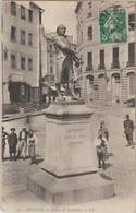 35 Rennes Statue De Leperdit Place Animée -s38 - Rennes