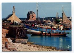France - Camaret - Port - Boats - Fishing - Camaret-sur-Mer