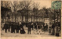 CPA Paris 1e - Le Lutteurs Devant La Statue Du Maréchal Ney (80861) - Statues