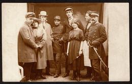 Carte Photo - Groupe De Personnes - Mr. Oppenheim Agent De Police - Inspecteur .; Voir Au Dos - 2 Scans - Fotografía