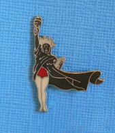 1 PIN'S //  ** PIN-UPS / STATUE DE LA LIBERTÉ ** . (© 1991 Turnrer ENT CO Démons & Merveilles) - Pin-ups