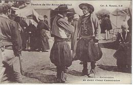 FRANCE -DOUARNENEZ - Pardon De Ste-Anne-la-Palud - Rencontre De Deux Vieux Camarades - - Douarnenez