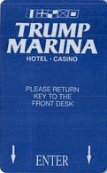"Trump Marina Casino - Atlantic City NJ - Hotel Room Key Card With NO Space Between Picture And ""TURN HANDLE"" - Chiavi Elettroniche Di Alberghi"