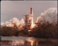 1986. Január 28 Az STS-51-L Küldetés Keretében Indított Challenger űrrepülőgép Kilövése, Amely Után Kb. 1 Perccel Felrob - Autres Collections