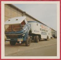 Camion Willème LF110T. Modèle 1967. L'équipe, Le Parisien, Esso. Caravane Du Tour De France Cycliste 1967. - Cars