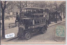 PARIS- L AUTOBUS ASSURANT LA LIAISON MONTMARTRE A SAINT-GERMAIN-DES-PRES- - Openbaar Vervoer
