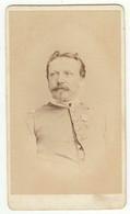 CDV Photo Foto Um 1865/70 -  J. F. Maurer, Landau - Soldat Mit Orden - War, Military