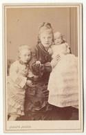 CDV Photo Foto Um 1875 - Jgnatz Julius, Hamburg - Junge Mutter Mit 2 Süßen Kindern - Old (before 1900)