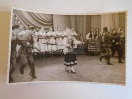 D173612  Esperanto Correspondence   RIGA LATVIA  Old Photo  Folklore - Traditional  Costumes, Dancers  1961 - Esperanto