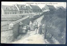 Cpa Du 22 Trélévern Rue De La Fontaine Et La Coiffure Bretonne  ---  Perros Penvénan    SE20-2 - Perros-Guirec