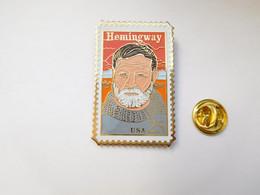 Beau Pin's Dentelé , Ernest Hemingway , USA - Personaggi Celebri