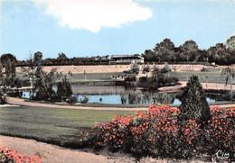 CERIZAY - Le Parc Des Sports Et Le Jardin Public - Stade - Cerizay