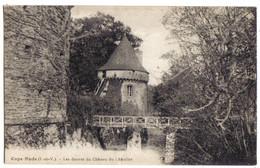 ILLE Et VILAINE - COPS NUDS - Les Douves Du Château Du Châtelier - Castillos
