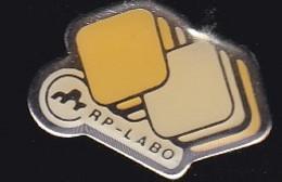 66848- Pin's. Médical.RP Labo.Laboratoire.médicament.pharmacie. - Geneeskunde