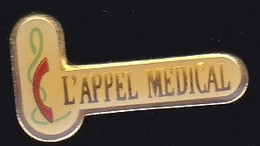 66853- Pin's. Médical.Caducée. - Geneeskunde