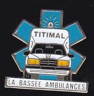 66855- Pin's.Mercedes. Médical.Titimal Pascal. Ambulances à La Bassee . - Geneeskunde
