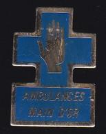 66867- Pin's. Médical.Santé.Ambulance De La Main D'or. à Paris - Geneeskunde