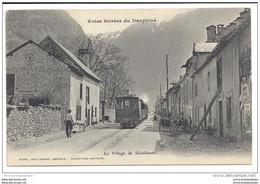 CPA 38 Sechilienne Le Village Et Le Train Tramway Ligne De Grenoble à Bourg D'Oisans - Sonstige Gemeinden