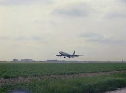 Schiphol, Transavia, Vliegtuig, LF690 - Aérodromes