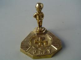Ancien Cendrier Laiton Manneken Pis - Bronces