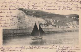 FECAMP  Entrée D'un Bateau Dans Le Port  ( Wasmer 23 ) - Fécamp