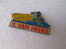 PIN'S  Y VAN HEERS - Pin's & Anstecknadeln