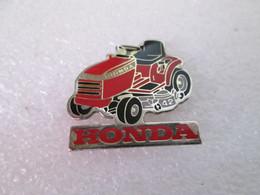 PIN'S   TRACTEUR  HONDA - Honda