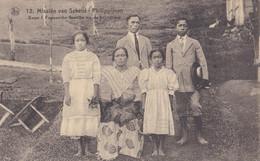 PHILIPPINES :  IIfugao Ile De Luçon: Famille Après Leur Conversion .  Mission Van Scheut - Philippines
