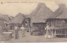 PHILIPPINES :  Jeunes Femmes Dans Le Village Philippin   Mission Van Scheut - Philippines