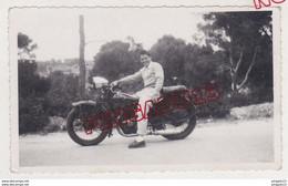 Au Plus Rapide Moto Ancienne Peugeot * Route De Bandol Var 1949 - Cars