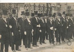 Fetes En L' Honneur De Jeanne Arc Orleans  . Les Notables En Haut De Forme - Manifestazioni