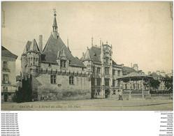 49 SAUMUR. Hôtel De Ville Et Kiosque à Musique - Saumur