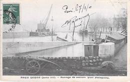 75 - PARIS 06 ° - INONDATIONS De PARIS ( Janvier 1910 ) Barrage De Secours - Quai Malaquais - CPA - Seine - De Overstroming Van 1910