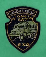 Ecusson Militaire Conducteur G.B.C. 8 K.T. 6 X 6 ( Format 6,2cm X 8,2cm ) - Patches