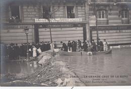 CPA( Paris)inondation 1910   Barrage Etabli Bd Haussmann (b.bur Theme) - La Crecida Del Sena De 1910