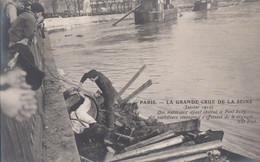 CPA( Paris)inondation 1910 Des Materiaux Ayant Obstrué Le Pont Sully  (b.bur Theme) - La Crecida Del Sena De 1910