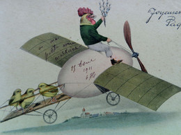 CPA COQ HABILLE SUR UN AEROPLANE TRANSPORT POUSSINS . 1911 .  DRESSED ROOSTER .ON AIRPLANE  EASTER OLD   PC - Dressed Animals