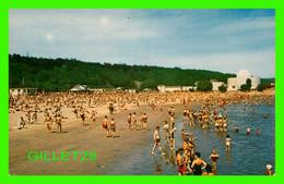 ANSE-AU-FOULON, QUÉBEC - LA PLAGE ANIMÉE - PHOTO LAVAL COUET - SOUVENIR AGENCIES - CIRCULÉE EN 1968 - - Quebec