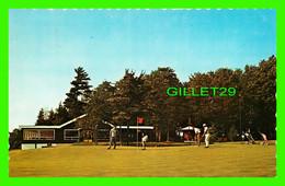 VICTORIAVILLE, QUÉBEC - VUE DU CLUB DE GOLF - ANIMÉE - UNIC - CIRCULÉE EN 1968 - - Quebec