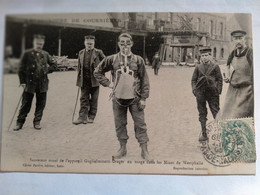 Carte Postale Ancienne Catastrophe De Courrières , Sauveteur Muni De L'appareil Guglielminetti - Mijnen