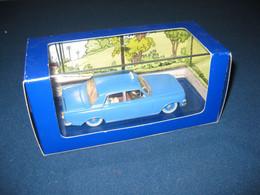 Collection Voitures TINTIN Le Taxi Bleu De L'Ile Noire N°45 De La Série - Jouets Anciens