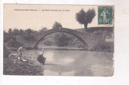 CPA DPT 32 L ISLE JOURDAIN, LE PONT TOURNE SUR LA SAVE( Voir Laveuses) - Other Municipalities